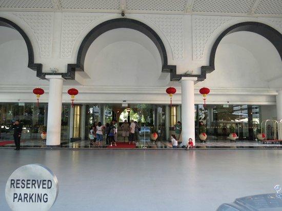 Hotel Istana:                   Hotel foyer                 