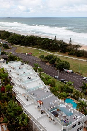 Sundeck Gardens: beachfront accommodation