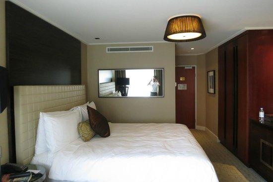 Four Seasons Hotel Sydney: bedroom