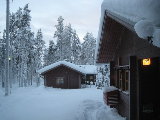 Hotel Jeris: cabins below the main lodge on the hill