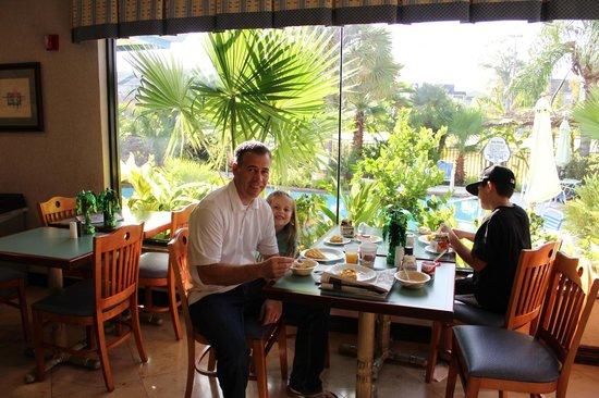 Quality Inn & Suites Seabrook Nasa Kemah:                   enjoyable dinning experience