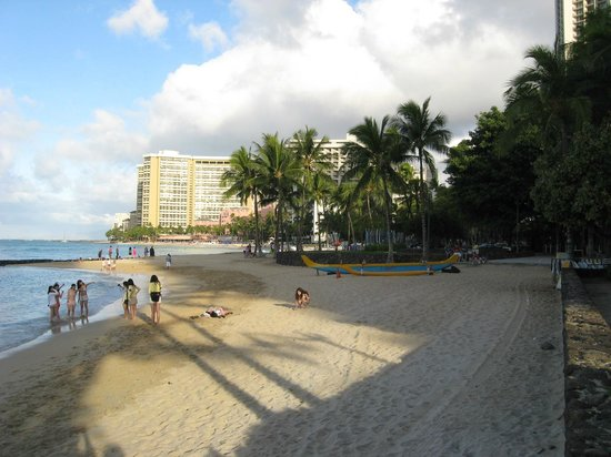 The Residences at Waikiki Beach Tower: Easy Access to this !