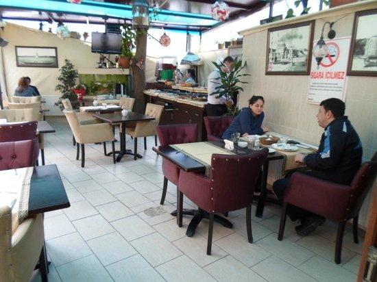 Sultanahmet Park Hotel:                   Breakfast room