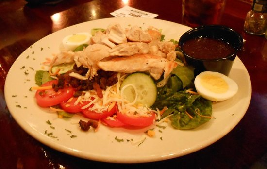T-Bonz Gill & Grill : $5 Grilled Chicken Salad