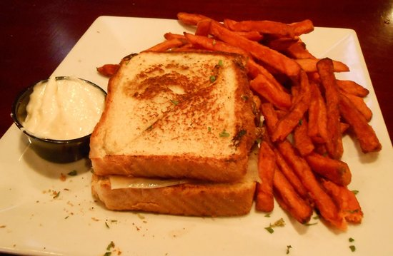 T-Bonz Gill & Grill : $5 Beef Patty Melt with Sweet Tater Fries