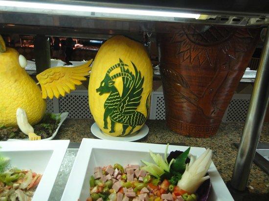 Grand Bahia Principe San Juan:                   amazing food art in the main buffet