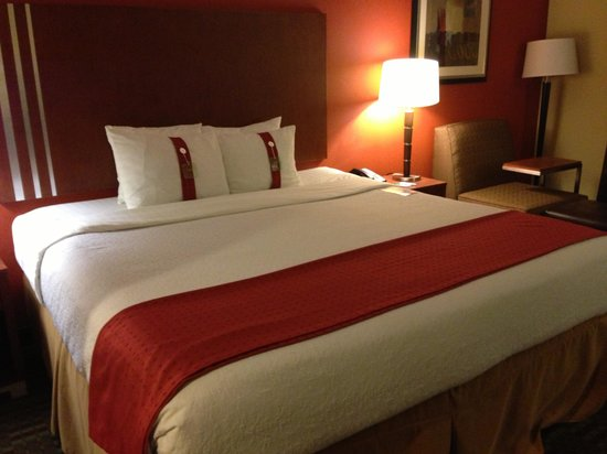 Holiday Inn Austin North-Round Rock:                   Bed- great hotel