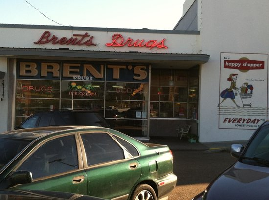 The front of Brent's Drugs.