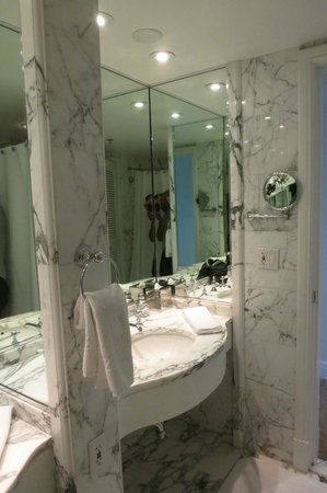 The Ritz-Carlton, Laguna Niguel : bathroom