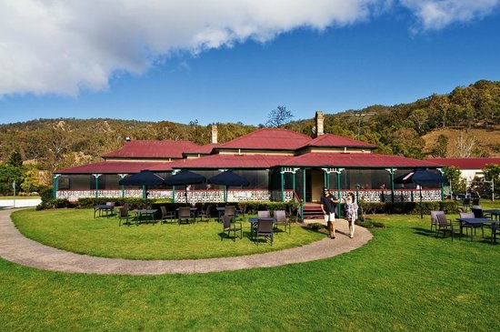 O'Reilly's Rainforest Retreat, Mountain Villas and Lost World Spa: O'Reilly's Canungra Valley Vineyards