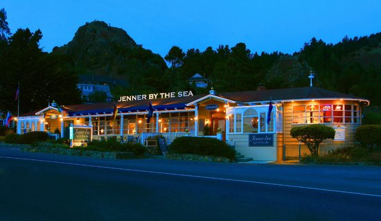 The Jenner Inn: Evening Jenner Inn