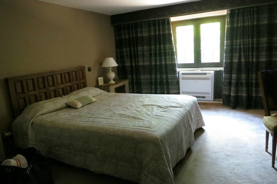 Le Mas d'Entremont : family suite tired room