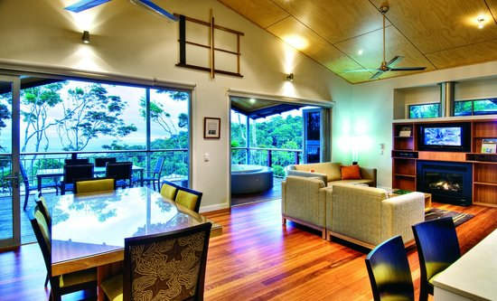 O'Reilly's Rainforest Retreat, Mountain Villas and Lost World Spa: Villas - Internal