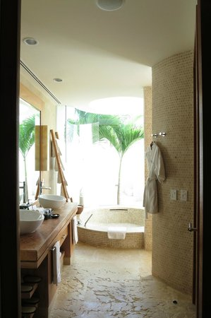 Rosewood Mayakoba: bathroom