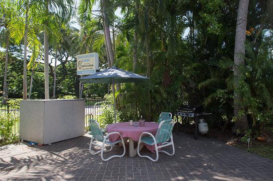 Barramundi Lodge: BBQ area