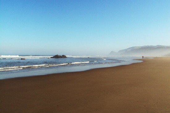 Chinook Winds Casino & Convention Center : Lovely Oregon Coast morning