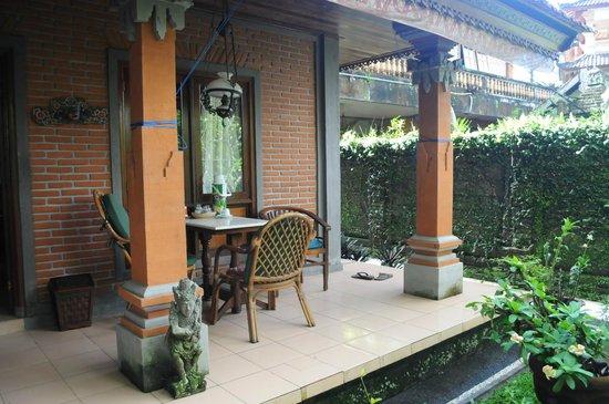 Eustace Place :                   the patio