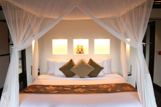 Hanging Gardens of Bali: Master bedroom