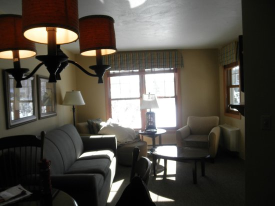 Newport Resort: Room during the day