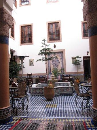 Riad Ahlam: Inside