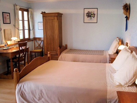 Les Orchidees : Chambre Anglaise (rdc)