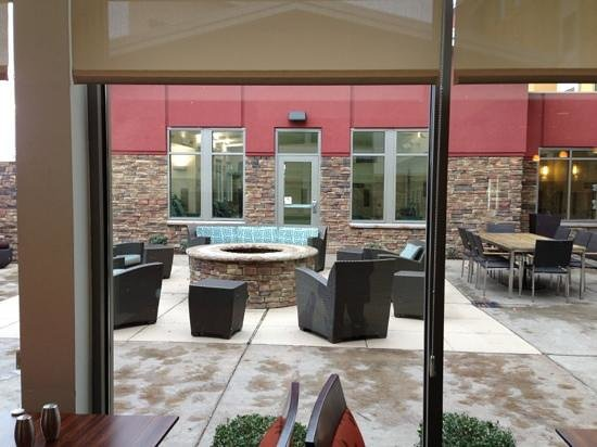 Residence Inn Jackson :                   outside lobby