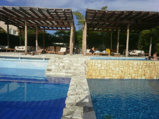 Zama Yacht & Beach and Lounge:                   What a great place!