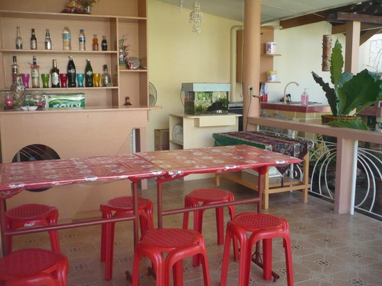 Malonzo Pension House: Dining area