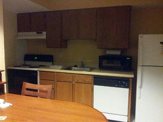 MainStay Suites:                   kitchen