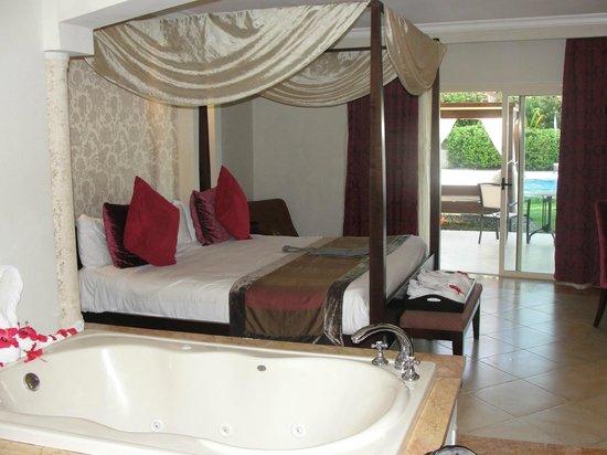 Majestic Elegance Punta Cana:                   #3137 Bedroom
