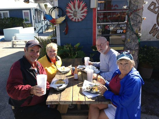 A1A Burrito Works : Lunch with friends, after a hearty hike