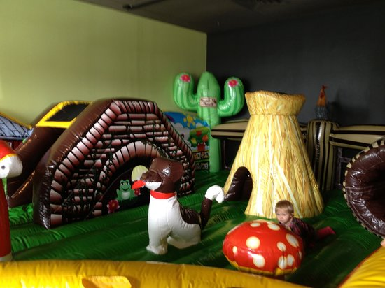 Town and Country, มิสซูรี่:                   Toddler bounce area