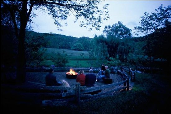 Fort Lewis Lodge: Evenings Around the Campfire