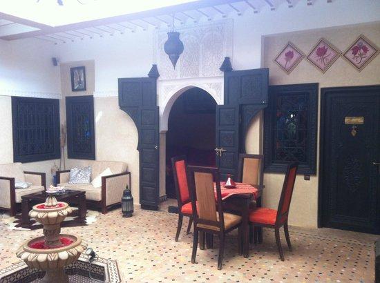 Riad Nesma:                   lobby