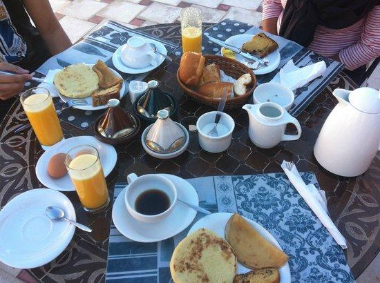 Riad Nesma:                   Desayuno