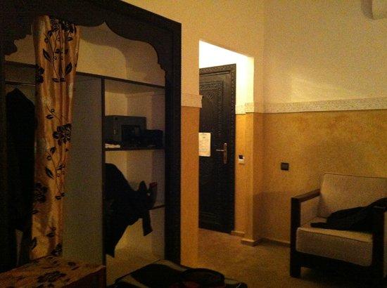 Riad Nesma:                   Habitacion