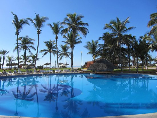 Holiday Inn Resort Los Cabos All-Inclusive:                   Main pool of the complex