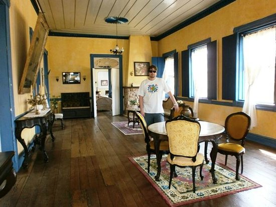 Hotel Fazenda Boa Vista:                   Salas internas                 
