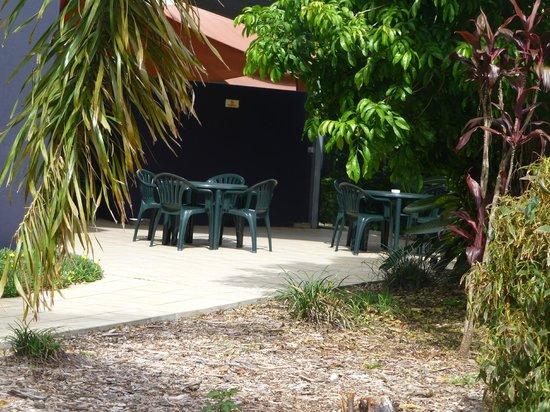Brisbane International - Rocklea Motel: sit for a quiet drink