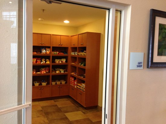 Holiday Inn Express Hotel and Suites Scottsdale - Old Town: Market