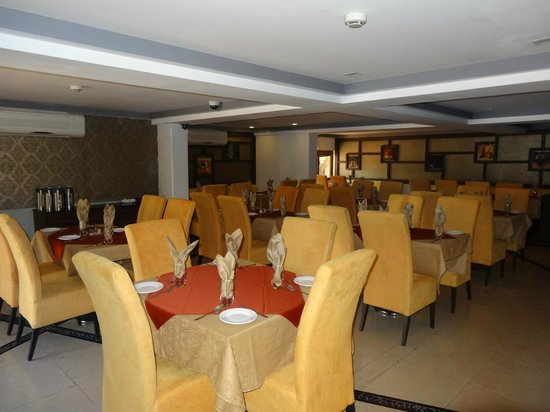 Prolific Inn Durga : Multi-cuisine Restaurant