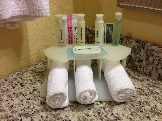 Holiday Inn Express Hotel and Suites Scottsdale - Old Town: Bath Products
