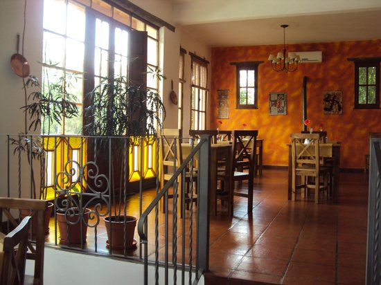 Costa Serrana:                   comedor interno