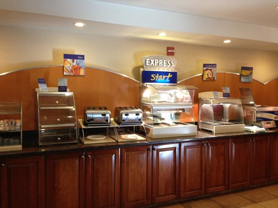 Holiday Inn Express Hotel and Suites Scottsdale - Old Town: Breakfast Buffet