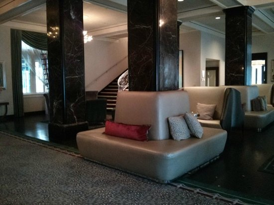 Le Meridien Dallas, The Stoneleigh:                   Lobby