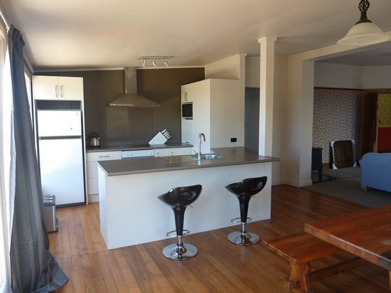Anchor Motel & Timaru Backpackers: 5 bedroom house kitchen