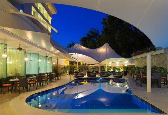 Bandar seri begawan hotels radisson hotel brunei - Centrepoint hotel brunei swimming pool ...
