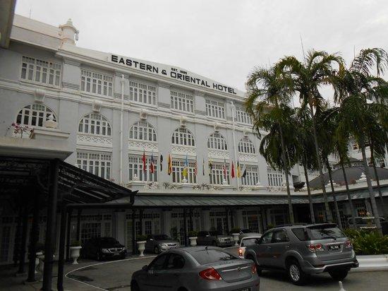 Eastern & Oriental Hotel:                   ホテル外観                 