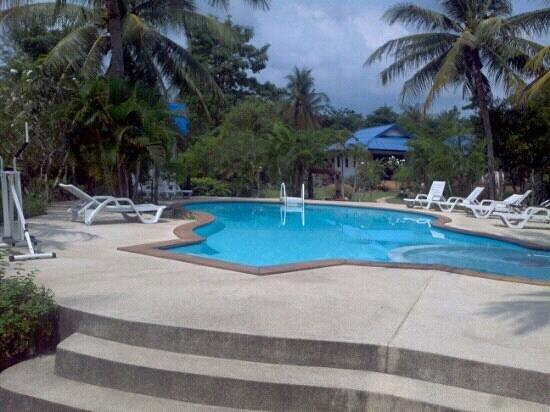 Rung Arun Resort:                   Piscina