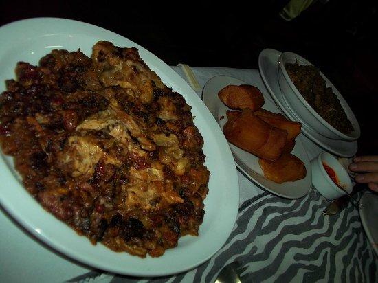 El Buen Sabor Africano:                   Nuestra abundante cena. No mucha pinta, pero muy sabrosa!
